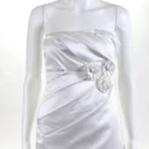PHOEBE COUTURE White Strapless Drape Flower Dress